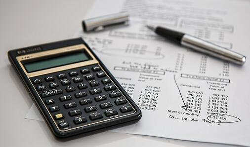 Calculator with expenses