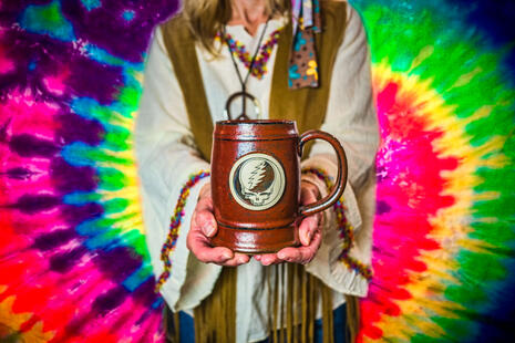 Sunset Hill Steal Your Face stein